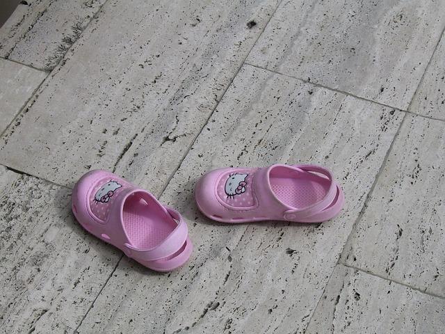 shoes-20020_640